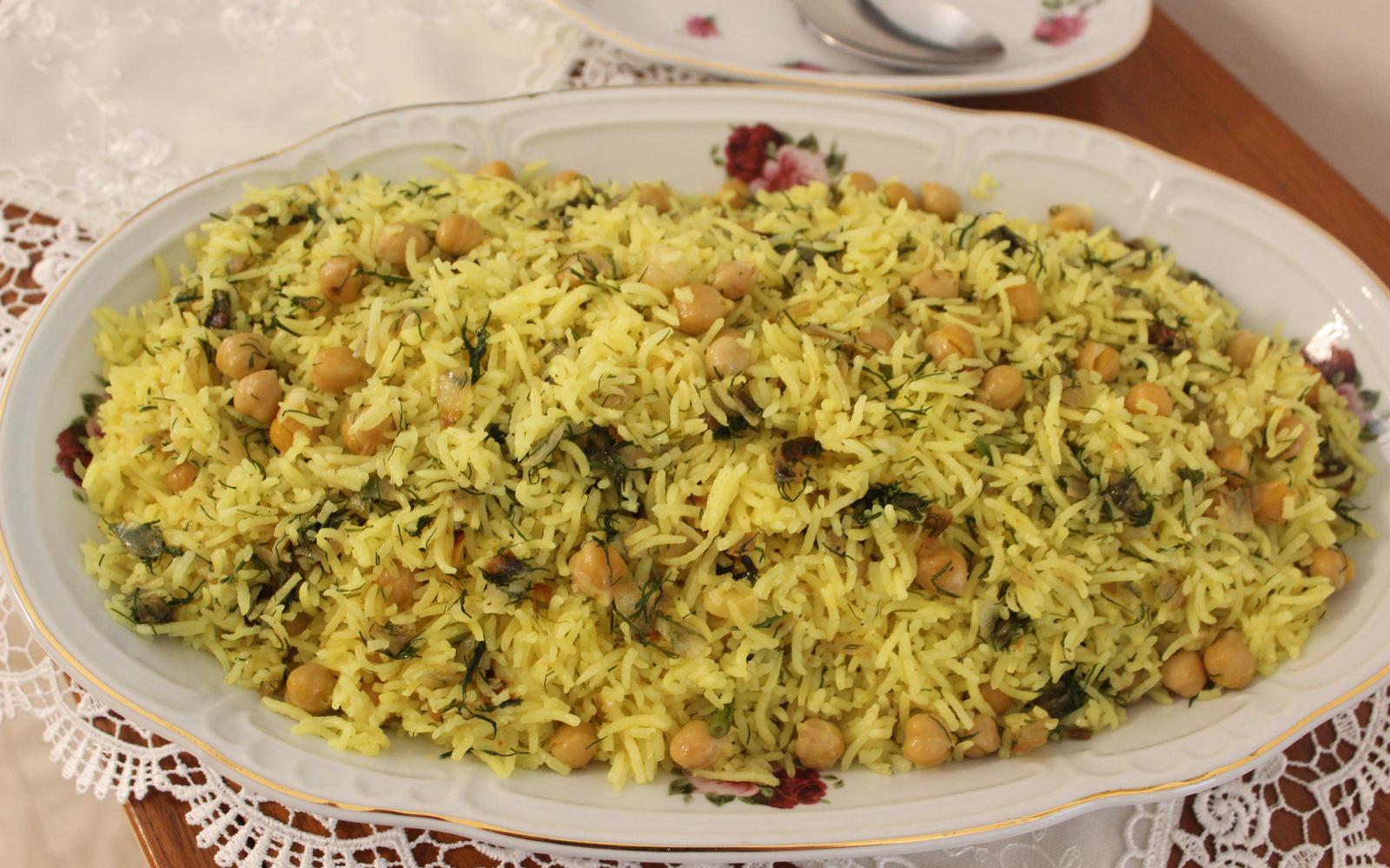 אורז חגיגי עם גרגרי חומוס ושמיר