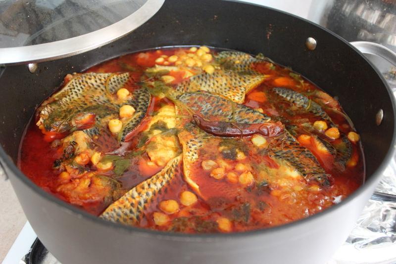 דג מושט ברוטב חריף