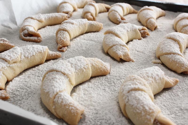 עוגיות סבתא במילוי קרם אגוזי מלך